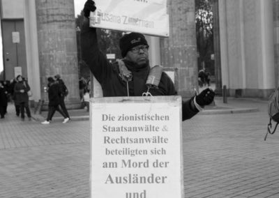 Protesta sotto la porta di Brandeburgo