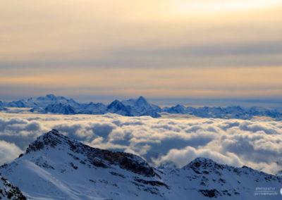 Montagna con nebbia