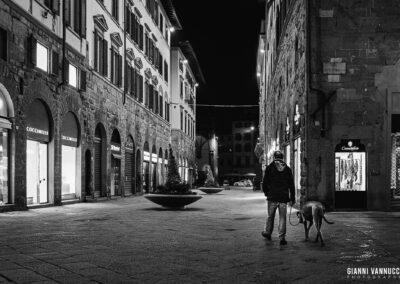 """""""Le strade di notte, mi sembrano più grandi, e anche un poco più tristi. È perché non c'è in giro nessuno."""" Giorgio Gaber"""